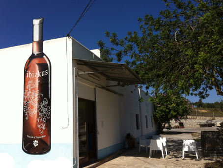 Totem_Wines_Ibiza_Image-Tieneda_Terranostra-Weinhandel_2013_web